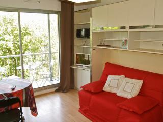 Studio lumineux, 500 m Grand plage. Balcon parking, Biarritz