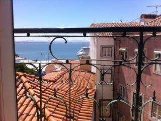 Lisbon Riverside View - Alfama, Lisboa