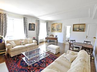 Apartment Clotilde holiday vacation apartment rental france, paris, 7th, París
