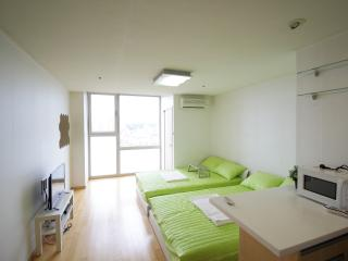 ☆1min walk☆Hongdae main house, Séoul