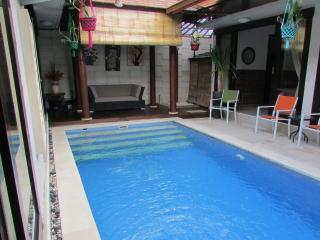 Griya Asih, Tropical 3BR Villa, Seminyak