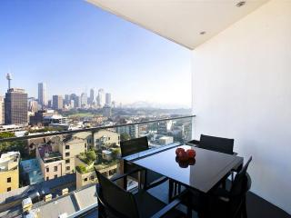 Designer 1BR Apartment Harbour Bridge Views TT907