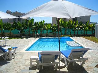 3 Bdr Villa With Private Pool, just 50m from beach, Kissonerga