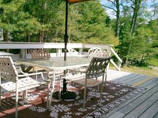 EAST ORLEANS HOME SLEEPS 6 - ONLY 1 MILE TO NAUSET BEACH!