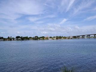 Bahia Vista 14-259 - Fantastic Club Bahia Bay View Condo at Isla Del Sol!, San Petersburgo
