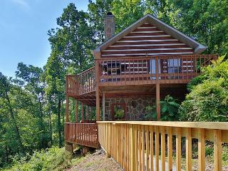 Smoky View on the Rocks a 2 bedroom cabin conveniently located near Dollywood, Sevierville