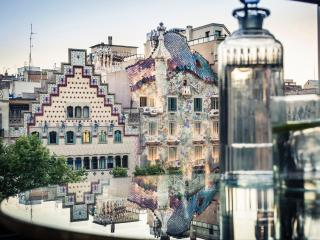 White Magnifique Apartment Paseo de Gracia, Barcelona