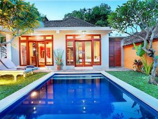 Seminyak Coccoon Beach Villa 5 bedrooms