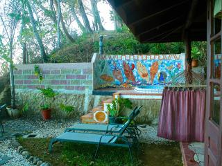 Montezuma Heights Mariposa cabin
