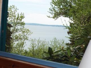 Classic Cottage on 200+ Acres and Next to the Shor, Annapolis Royal