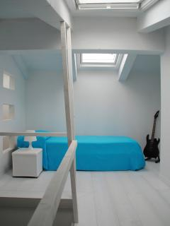 Second bedroom with mezzanine level