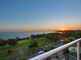 Views on Esplanade - 3 bedroom apt with endless sea views, Darwin
