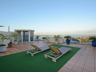 Central Grand Rooftop 3 Bedroom Apartment, Darwin