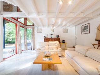 Villa LE CORAIL, 175m², 5 ch, proche  Golf & océan, Lacanau-Océan
