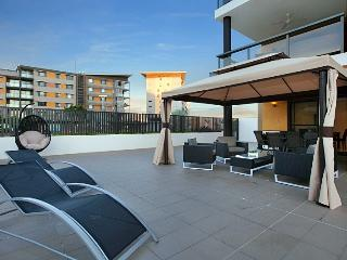 5001 Absolute Waterfront Private Garden Apartment, Darwin