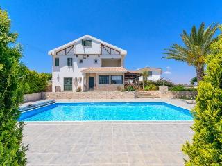 Villa Esmeralda, Protaras