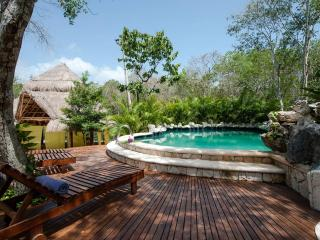 Beautiful Jungle House in Chemuyil Club y Villas, Tulum