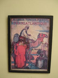 décoration faite d'un vieux poster publicitaire