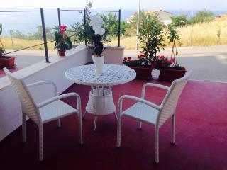 Sicilia, appartamento con terrazzo vista mare, Castel di Tusa