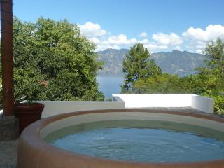 Luxury lakefront sanctuary - beautiful, private, quiet, Santiago Atitlan