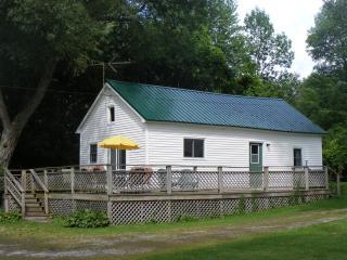 Cottonwood Cove Loft Cottage