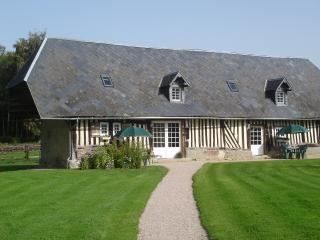 Les Normandines longere de 150m2 typique a colombages du XVIIIeme siecle.
