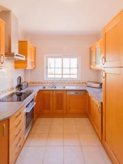 Well equipped kitchen Casa Encosta