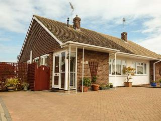 DRIFTWOOD all ground floor, WiFi, family-friendly, near to beach in Clacton-on-S