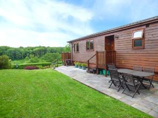 OAK LODGE, all ground floor lodge, two en-suites, off road parking, in Narberth, Ref 925614