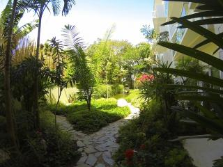 Papaya 15 Zen Modern Apartment in heart of Playa, Playa del Carmen
