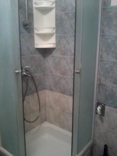 A JEDNOSOBNI (3+1): bathroom with toilet
