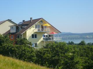 Vacation Apartment in Konstanz - 646 sqft, 2 bedrooms, max. 4 people (# 6493)