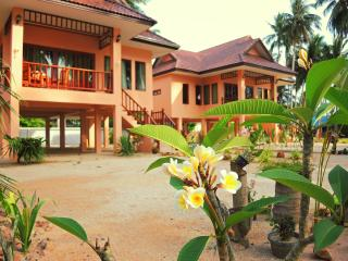 Beach House Thong Krut, Taling Ngam