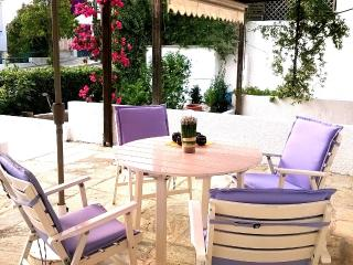 Cottage SEA ROSSES  150m. from the sand  beach ., Saronida