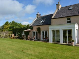 Secluded Farmhouse near Meldrum House & Barra Barn - Golf & Whisky Area