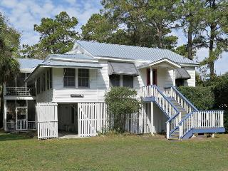 Classic Cottage with Unforgettable Personal Touch, Isla de Tybee