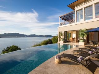 Villa Fah Sai - Oceanfront and stunning, Kamala
