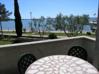 Apartment Velo for 5 - 10 meters from the sea, Vrsi