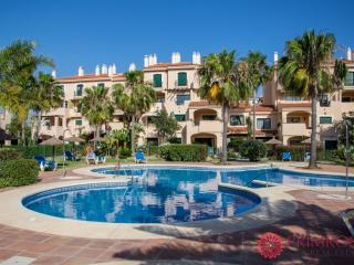 La Almadraba 427-Bright and Modern 2 bed Apartment in Duquesa, Costa del SoL