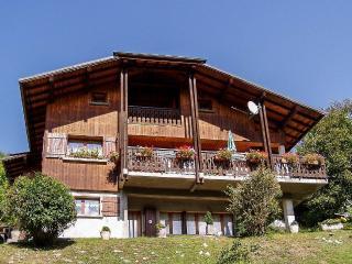Appartement dans chalet, proche village Samoens