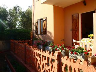 garden-side apartment, Badesi