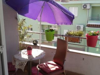 Foxy Apartment for 2 people with AC, Porec