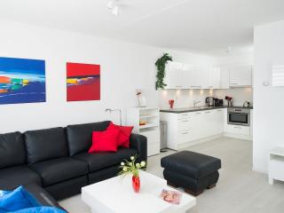 Short Stay Beach Apartment 1050, The Hague