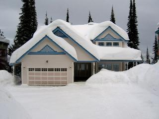 2 bedroom w/laundry private hot tub.Pet Friendly, Silver Star