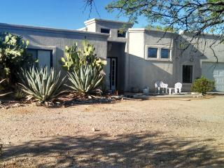 Tucson Winter Visitors.Beautiful 5 acre guest home, Palo Verde
