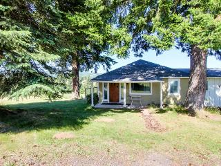 Gorgeous cottage w/ mountain views, pet-friendly!, Parkdale