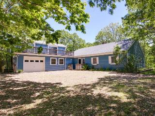 Secluded home with two decks near attractions!, Edgartown