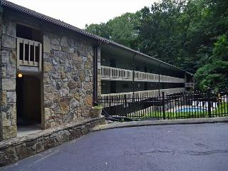 179 Creekside Retreat, Gatlinburg
