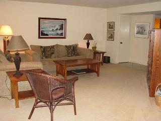 2 Bedroom, 2 Bathroom Vacation Rental in Solana Beach - (DMBC148SS)