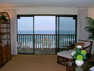 Tropical Island Feel! 2 BR Oceanfront Condo In The Del Mar Beach Club